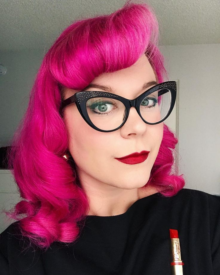 """1,576 Likes, 24 Comments - Loni Catherine (@lonicatherinec) on Instagram: """"Sorry I only post selfies but my lipstick turned out evenly soooo it must be documented. Lol. 💄💋❤️"""""""
