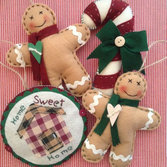 Gingerbread Classic Christmas Ornaments / Christmas Tree Gingerbread Felt Ornaments / Set of 4 / Handmade Vintage Decor