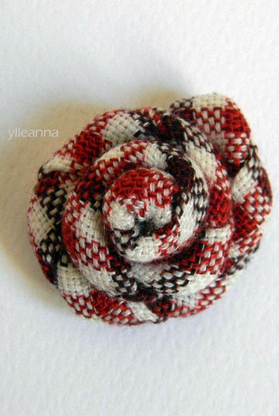 Image of Flower lapel pin. Checks. Brown, rust -- Spilla giacca uomo. Quadretti. Marrone, rosso ruggine #boutonniere #madeinitaly #lapelflower