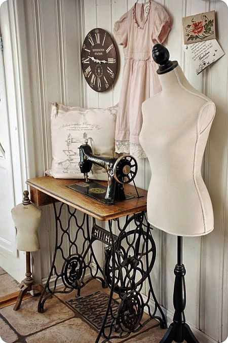 vintage sewing place, that's the sewing machine my grandma had.