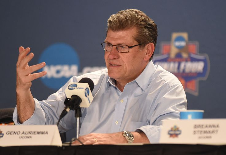 UConn basketball coach Geno Auriemma is back at the New York Athletic Club for the Winged Foot Award banquet Wednesday night.
