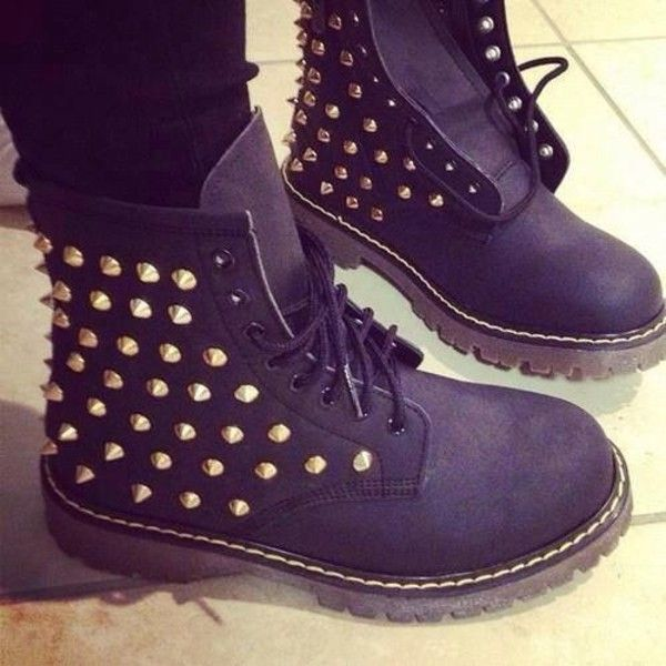 Cute Timberlands with Spikes | Custom spiked BLACK Timberland boots by  KillerCreationz on Etsy