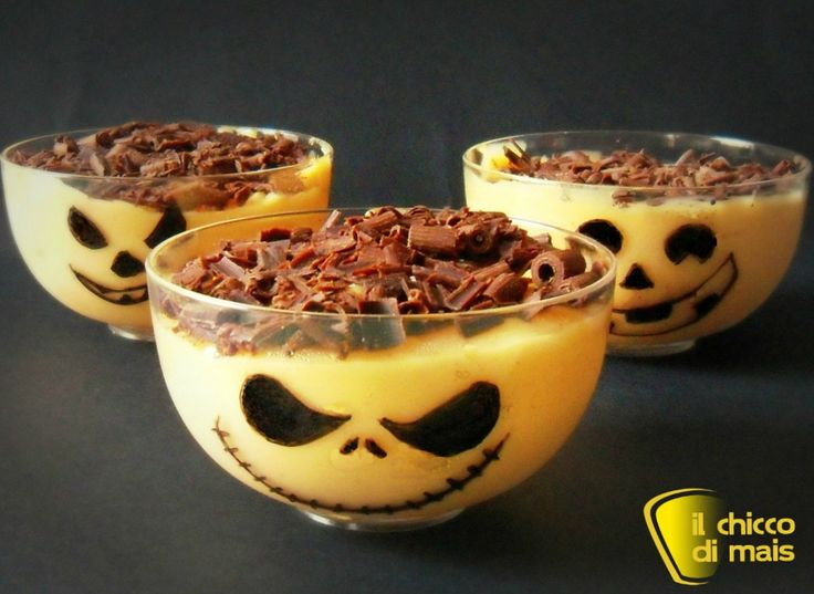Budino di zucca (ricetta dolce di Halloween). Ricetta del budino di zucca, dessert facile da decorare per Halloween con Jack o' Lantern e Jack Skeletron
