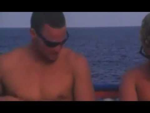 Jay Moriarity surfing in the Maldives... he is amazing!!!