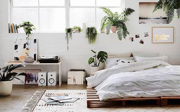 The Flower Girl Minimalist Room With Plants Minimalist Home Minimalist Bedroom Tumb Minimalist Bedroom Design Bedroom Interior Sanctuary Bedroom