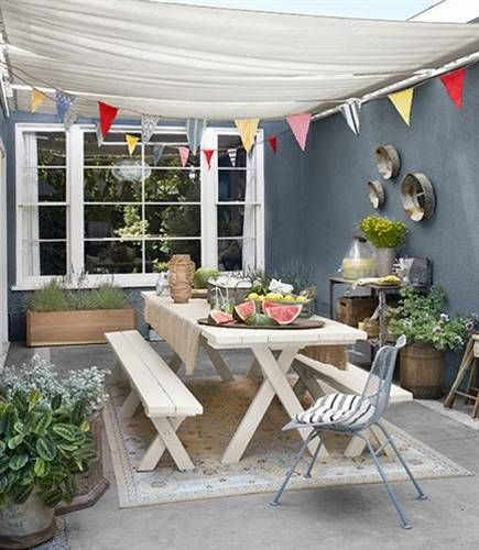 summer decorating for outdoor party