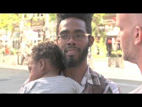This Single Dad Is Homeless And Pretty Low Until This Complete Stranger Walks Up And Says This... - NewsLinQ