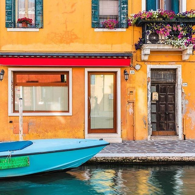 Burano Island | Veneto, Italy  #veneto #italy #burano #colourpop #magical #travel #travelphotography #travelgram #travelersnotebook #localtour #localtravel #lovetotravel #traveldiary #travelbug #wanderlust #instatravel #localwhispers #beautifulplaces #traveladdict #travellife #travelersnotebook