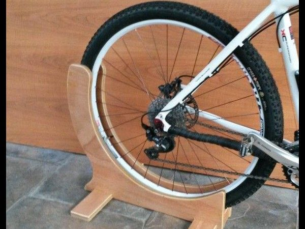 29 Er Specific Bike Stand - plywood