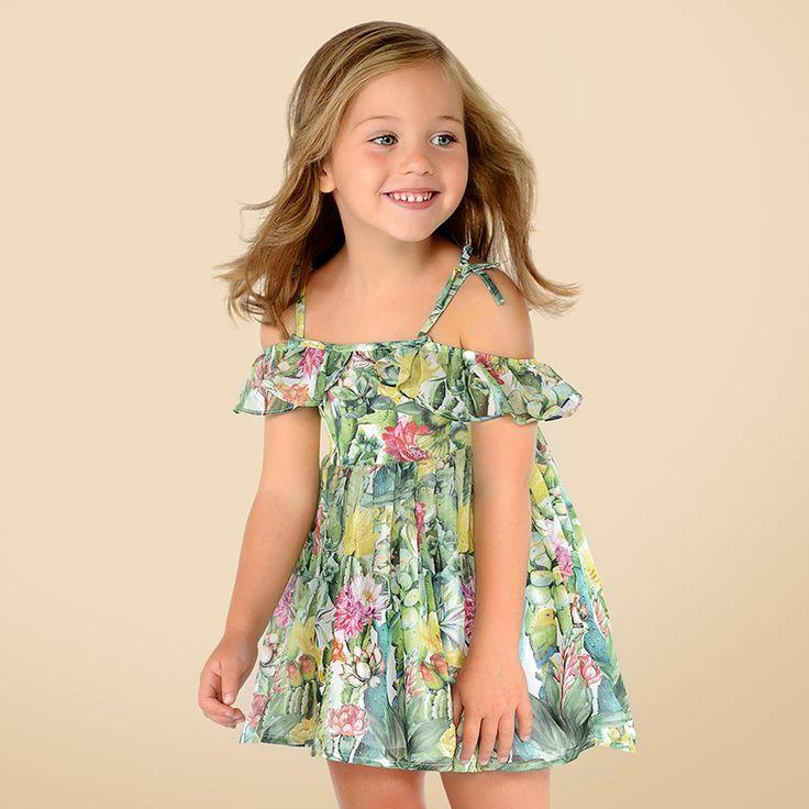Fetița ta se va simți minunat în rochița lejeră de la #Mayoral, cu imprimeu vesel, de vară.   #MarabuKids #rochie #fetite #hainutecopii