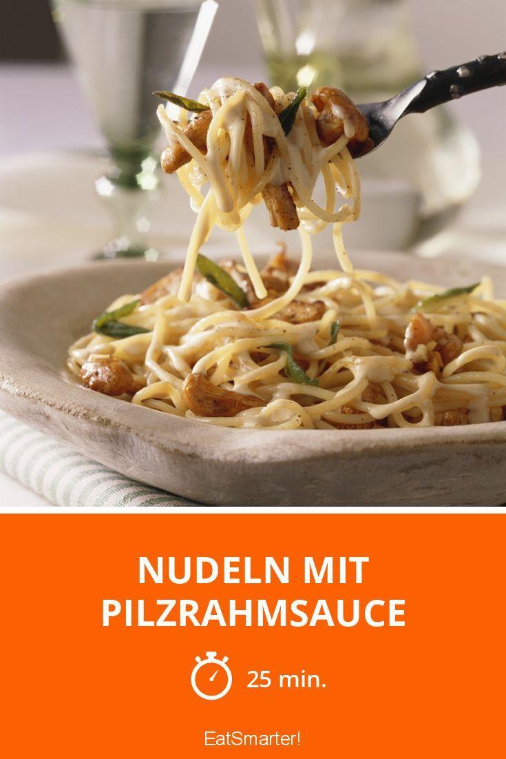 Nudeln mit Pilzrahmsauce - smarter - Zeit: 25 Min. | eatsmarter.de