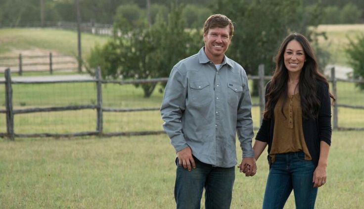 Download Alert: Chip and Joanna Gaines' Bed and Breakfast Is ...