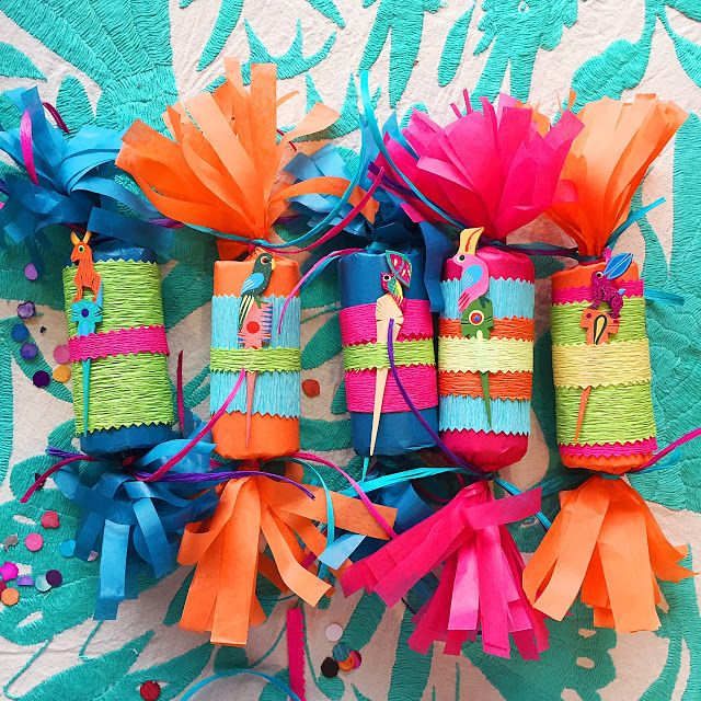 Love these super cute and affordable party favors by Artelexia. Get this: they're made out of toilet paper rolls!
