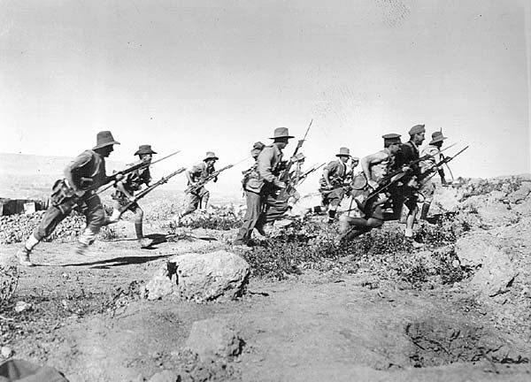 ANZAC soldiers attacking the Turkish trenches.