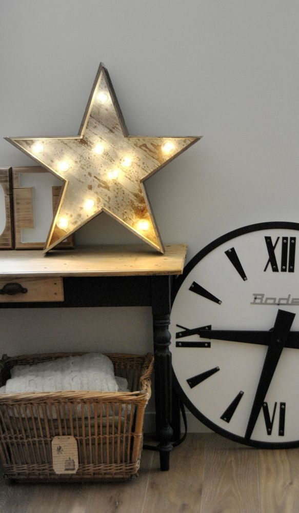 Beautiful vintage style star shaped marquee light. This would be great in a kids bedroom or living room, anywhere really, it depends how the room is styled. #marqueelights
