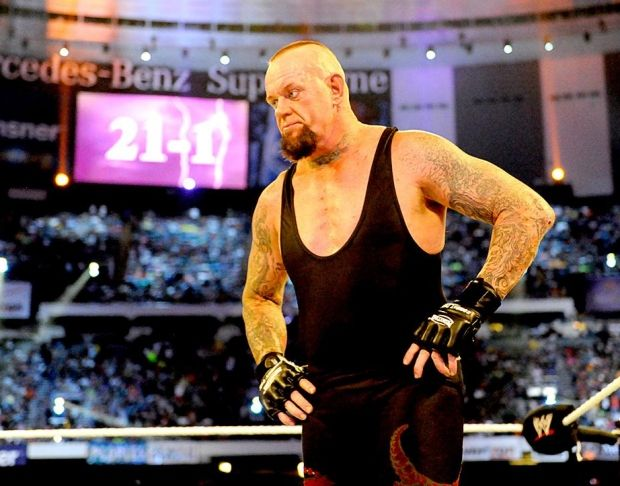 21-1: Undertaker's undefeated Wrestlemania winning streak ends at the hands of Brock Lesnar at Wrestlemania XXX