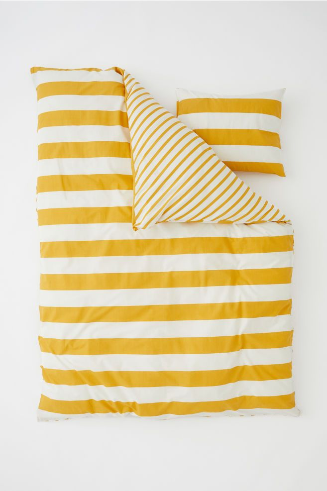 Striped Duvet Cover Set Yellow Natural White Home All H M Gb Striped Duvet Covers Striped Duvet Duvet Cover Sets