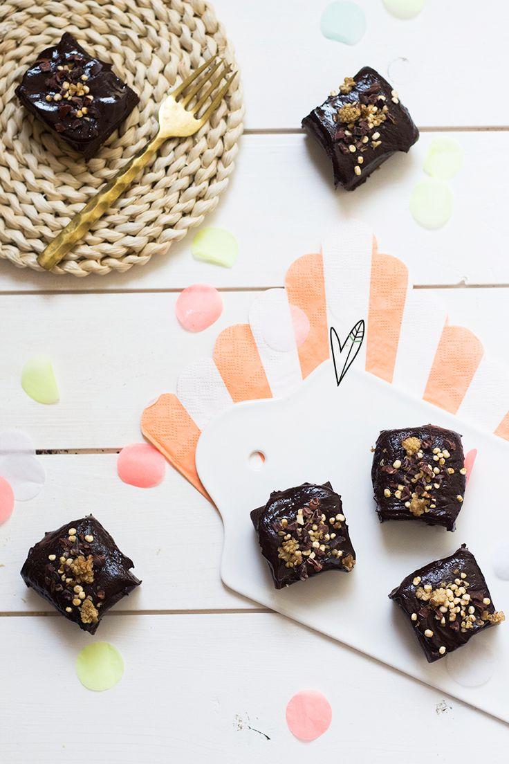 Recept: No bake vegan brownies met chocolade ganache | The Green Happiness