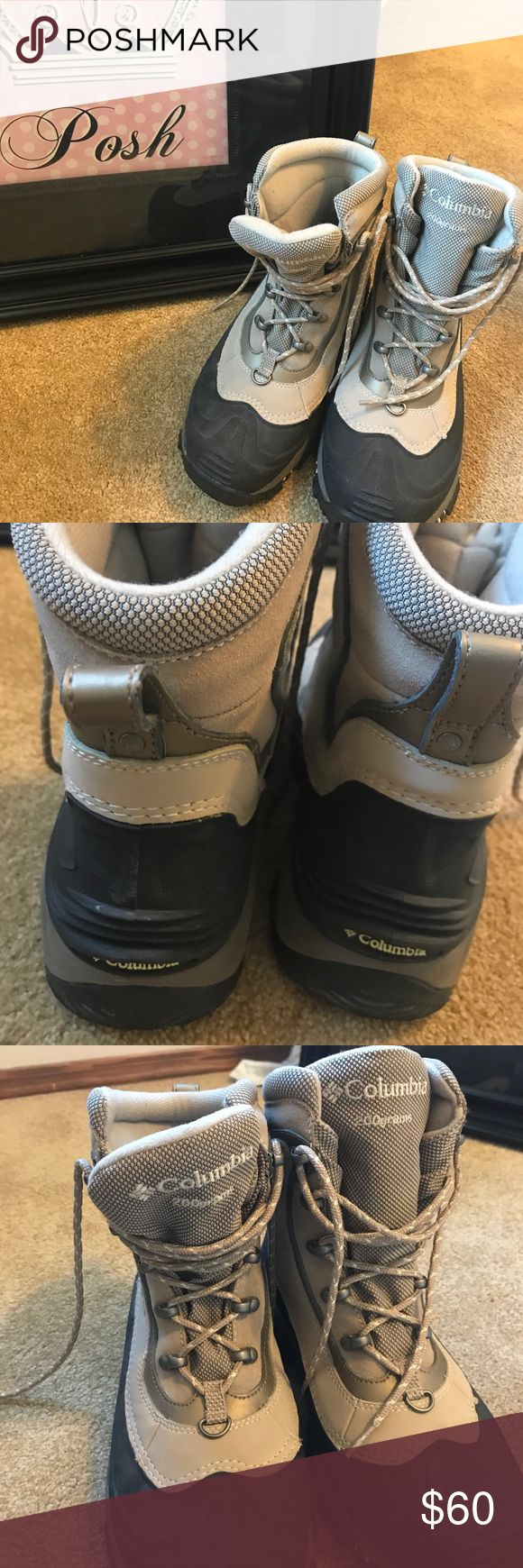Columbia Women's Winter Boots size 8 This is a pair of Columbia women's boots in a size 8.  They are literally in like new condition.  If you have never worn Columbia boots, you are in for a treat!  They are SO comfy and yet SO warm!! Columbia Shoes Winter & Rain Boots
