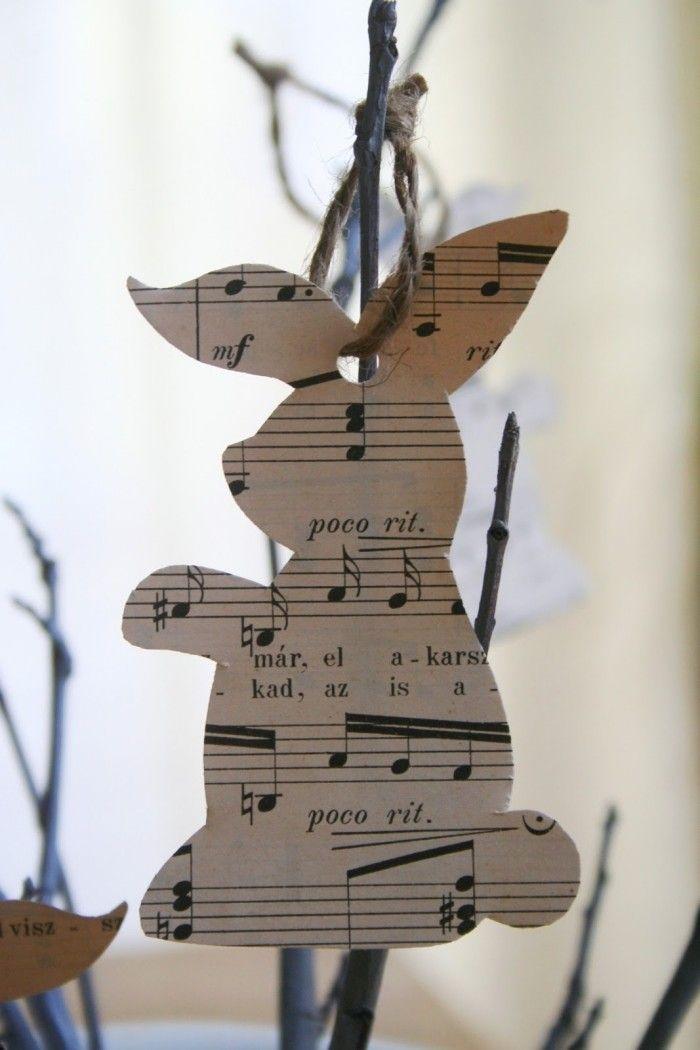 Osterdeko-Ideen-Osterhase-Anhängsel aus einem Musikheft-Blatt