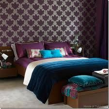 turquoise and purple bedroom. I'm so in love with these colors that everything I decorate revolves around them. Even my wedding! Eek!
