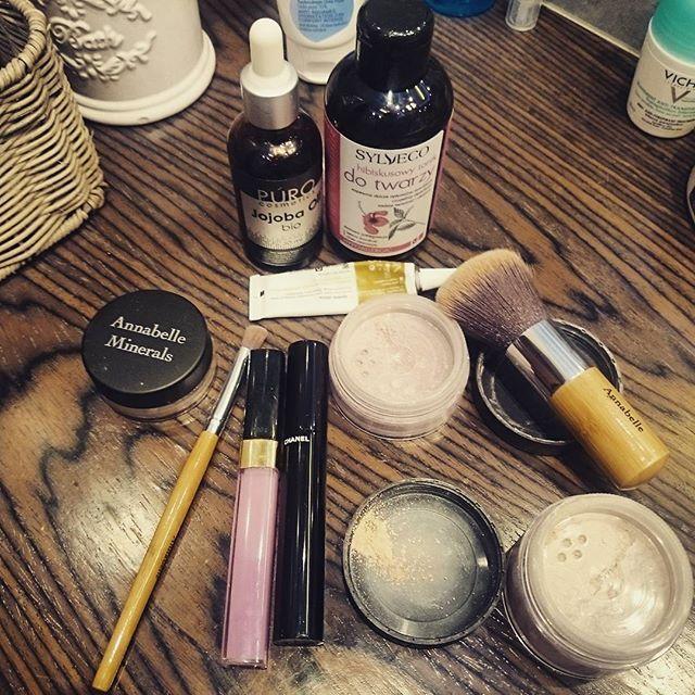 Moja oszczedna i naturalna pielegnacja I makijaz skory tradzikowej #jojobaoil #tolpa #sylveco tonic #annabelleminerals