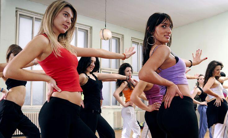 Dallo spinning alla zumba, 5 attività sportive da fare in palestra per dimagrire, restare in forma e divertirsi