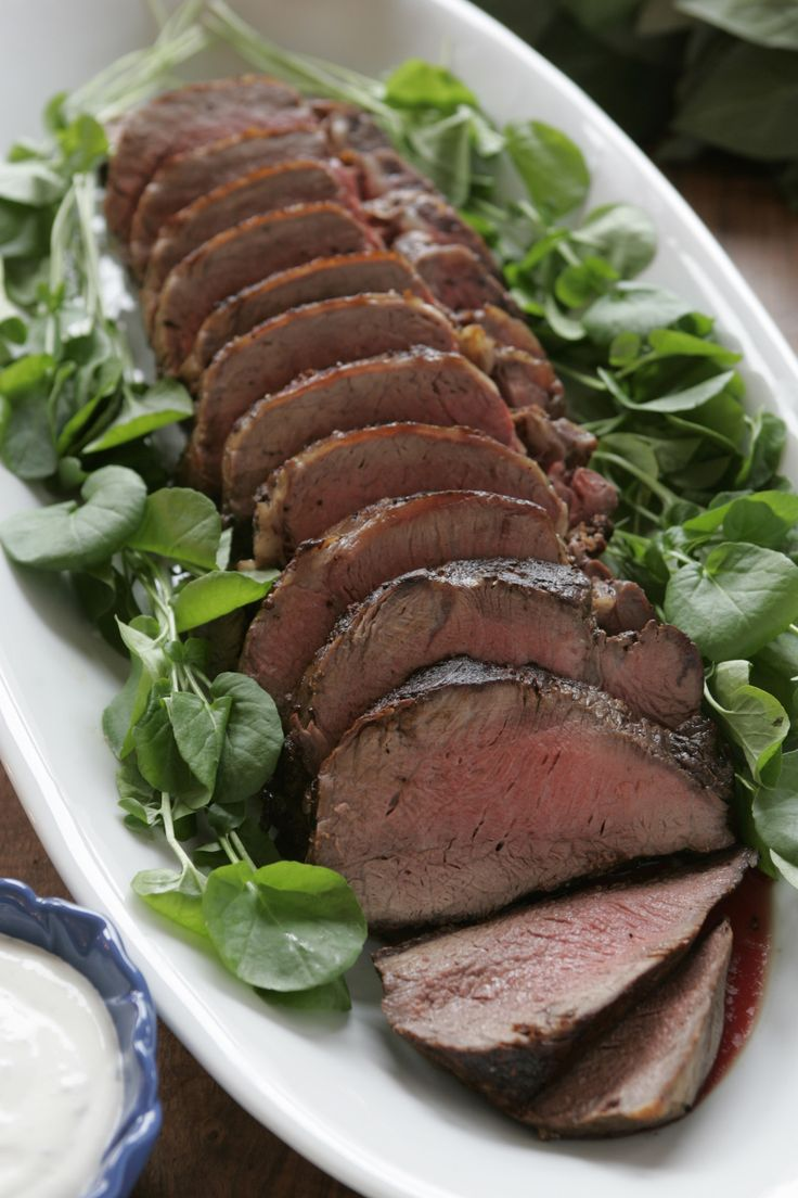 Easy roast beef recipe for Christmas dinner  A roast tenderloin of beef is an instant showstopper at dinner parties. And there's no better time to bring a platter of sliced, perfectly roasted meat to the table than Christmas dinner.   http://www.latimes.com/food/dailydish/la-dd-easy-recipe-roast-beef-tenderloin-20131224-story.html