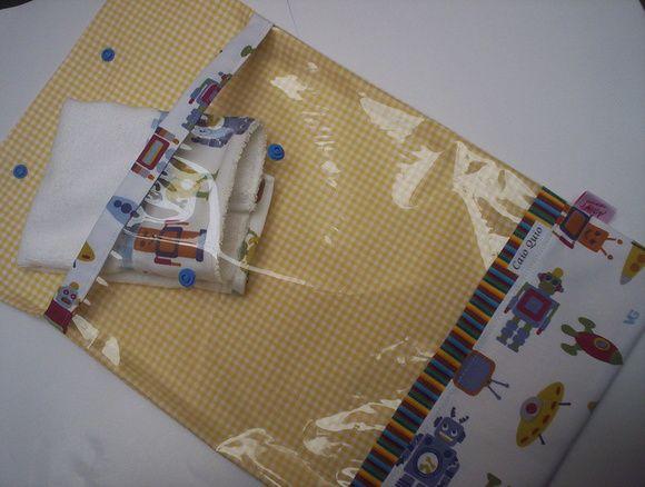 Saquinho pra maternidade com visor de plastico trnasparente..modelo envelope tecido 100% algodão tema roBô medida fechado