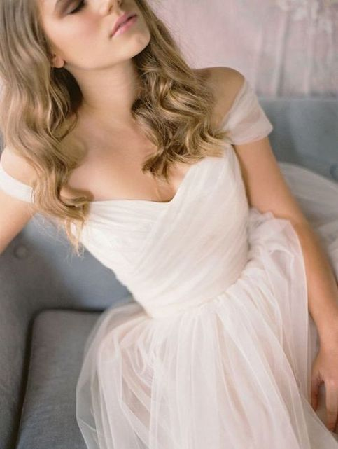 Gorgeous A-line Cap Sleeves Long Tulle Wedding Dress Bridal Gown