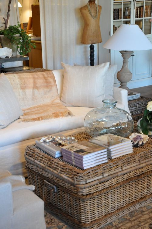 gianetti home. love this coffee table