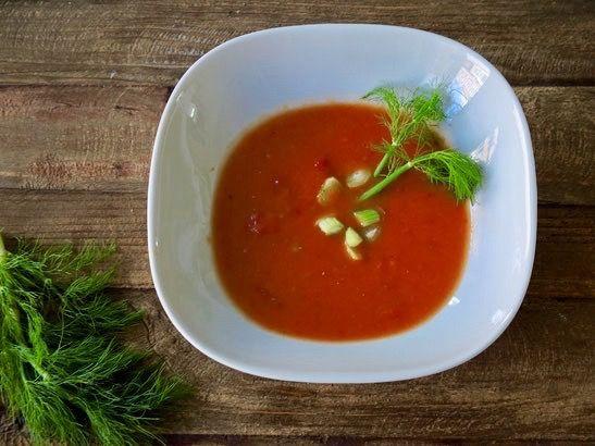 Tomaten Fenchel Suppe - Rezept für Tomaten Fenchel Suppe: Nach einem Mittagessen bei Tim Mälzer bin ich auf den Geschmack gekommen und habe diese Tomaten Fenchel Suppe nachgekocht.