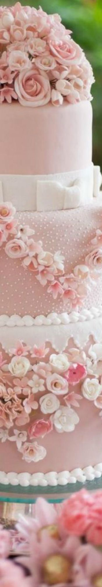 This would be a gorgeous cake for our vow renewal.