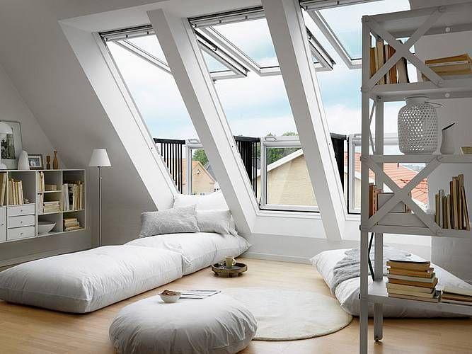 Mit Dieser Fensterlosung Lasst Sich Beim Dachausbau Auch Ein Balkonahnlicher Austritt Verwirklichen Dachboden Ausbauen Spitzboden Dachboden Loft