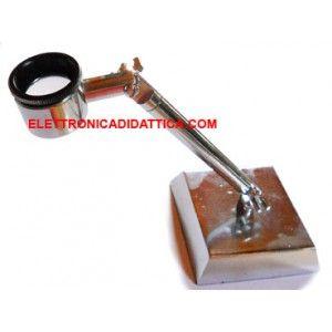 Lente con base 10x. Ottima lente da 22 mm con ingrandimento 10x. La lente è montata su di un piedistallo quadrato ed è possibile variare l'inclinazione della lente.