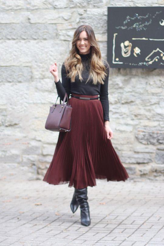 Very Lovely Skirts, Skirtsuits, and Dresses   Femme à part - Idées de  tenues en 2018   Jupe plissée, Jupe et Idee tenue e7f21c6d2804