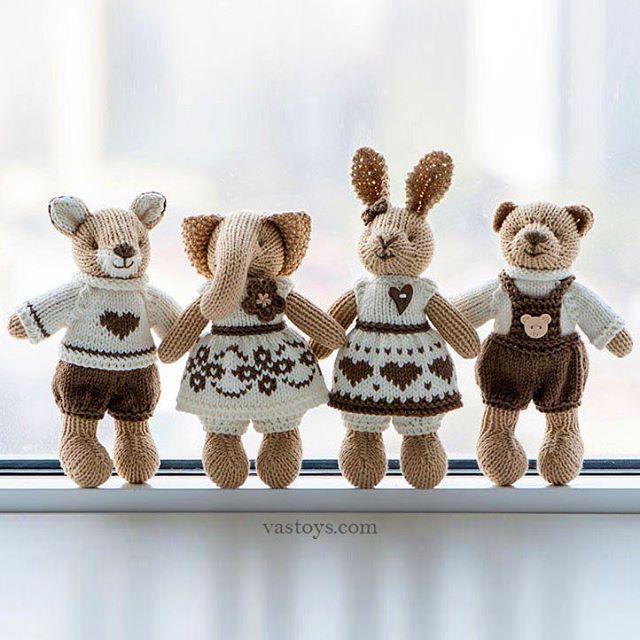 Sold out. Скоро покажу вам моих новых малышей, которые будут доступны к продаже на etsy, а пока вот вам кофейно-шоколадные зверьки в ленту. #vastoys