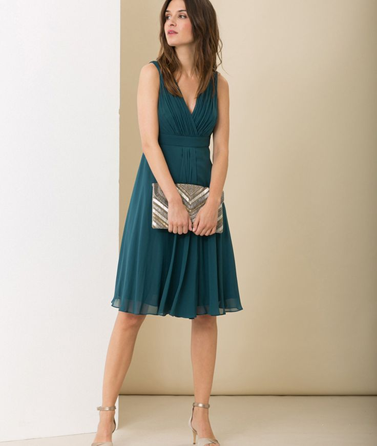 Les 25 meilleures id es de la cat gorie robe bleu canard sur pinterest 8e ann e robes grad - Bleu canard avec quelle couleur vetement ...