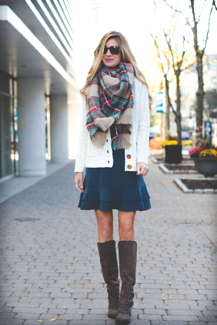 BOOKMARK THIS: how to tie a blanket scarf - finished scarf over navy ruffle hem Fall dress on pinterestingplanshow to tie a blanket scarf for Fall on pinterestingplans