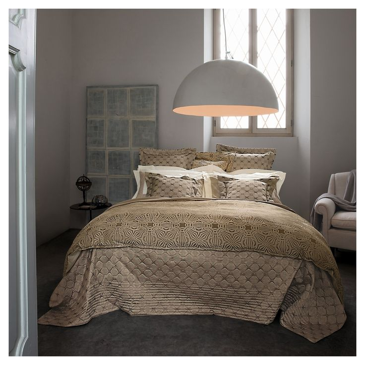 Caleidoscopio   Dynamic Features A Spyro Graphic Blossom Design, Seen On  Yarn Dyed Jacquard. Bedding CollectionsDyesBlossomsMaster ... Pictures