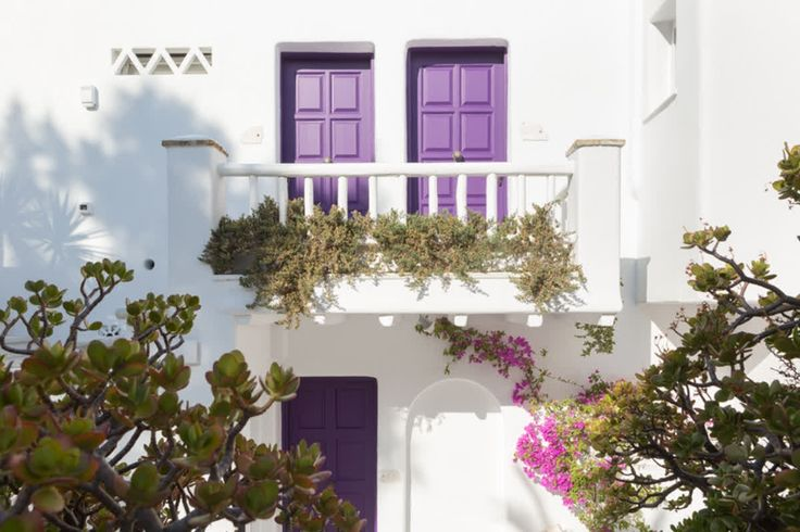Everywhere you look, every whitewashed brick, every flower bed, every balcony makes perfect sense! At #Kivotosmykonos, you can be the architect of your own unique holiday experience http://qoo.ly/higpw