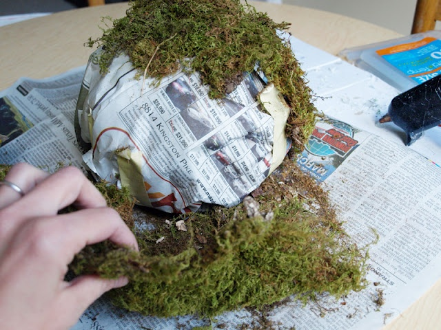 how to make moss ball urns www.etsy.com/shop/GetPersonalEtc