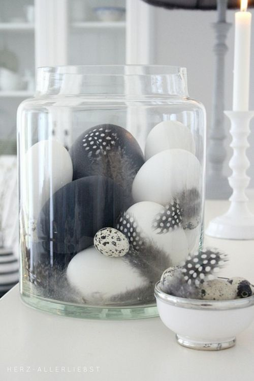 Ostereier in Schwarz-Weiß bemalen - eigenartige Dekoidee