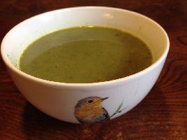 Lekker warm winters Voedselzandloper soepje: Boerenkoolsoep met kaas.