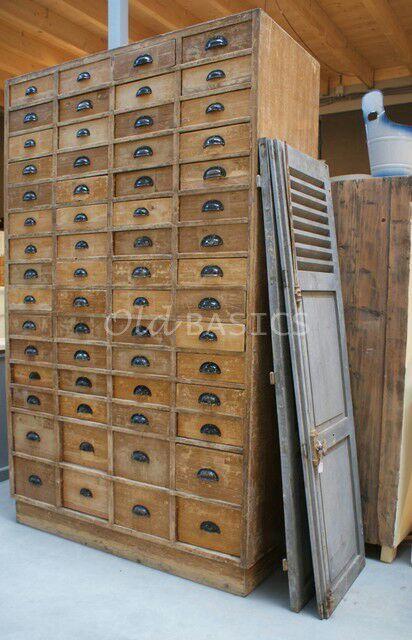 Old-BASICS - Landelijk antiek en Brocante - Oude-ladenkasten-industrieel-landelijke-brocante-winkelkast-toonbank