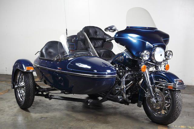 2002 Harley-Davidson FLHTCU Ultra Classic with Sidecar Frame no. 1HD1FCW112Y600811 Engine no. FCW2600811