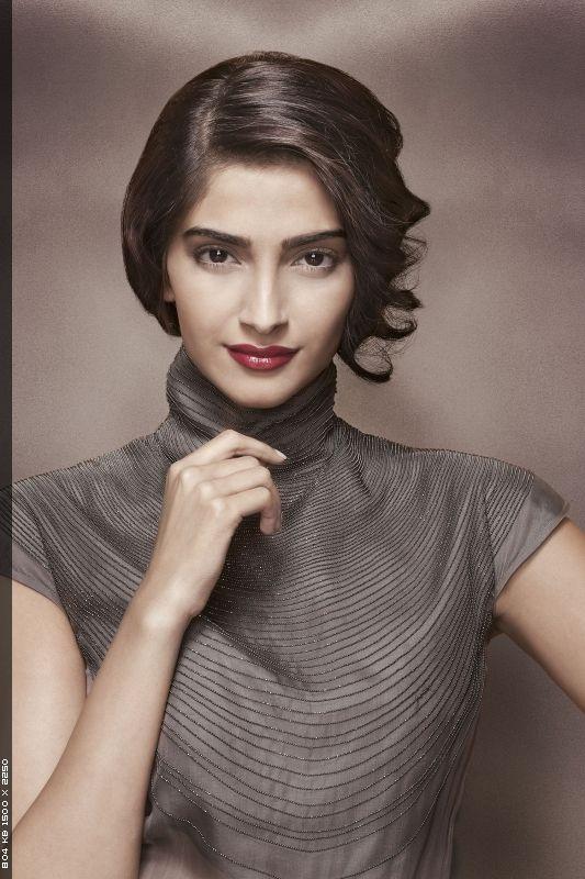 Sonam Kapoor - vintage look