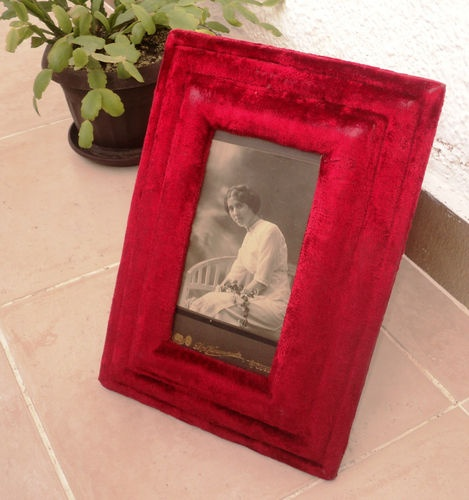 1000+ images about Vintage~Velvet on Pinterest | Sewing box, Red ...