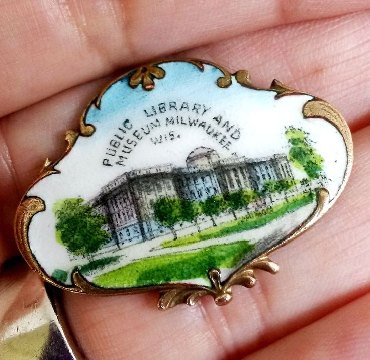 Victorian Enamel Hand Painted Public Library Museum Milwaukee Pin Brass Souvenir