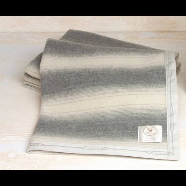Cradle baby winter blanket cashmere and merinos wool, made in Italy, light stripes